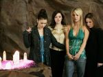 Charmed serie de                   Jade3 provenant de Charmed